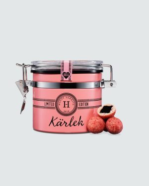 Kärlek  (Love) - Roses, strawberries and raspberries