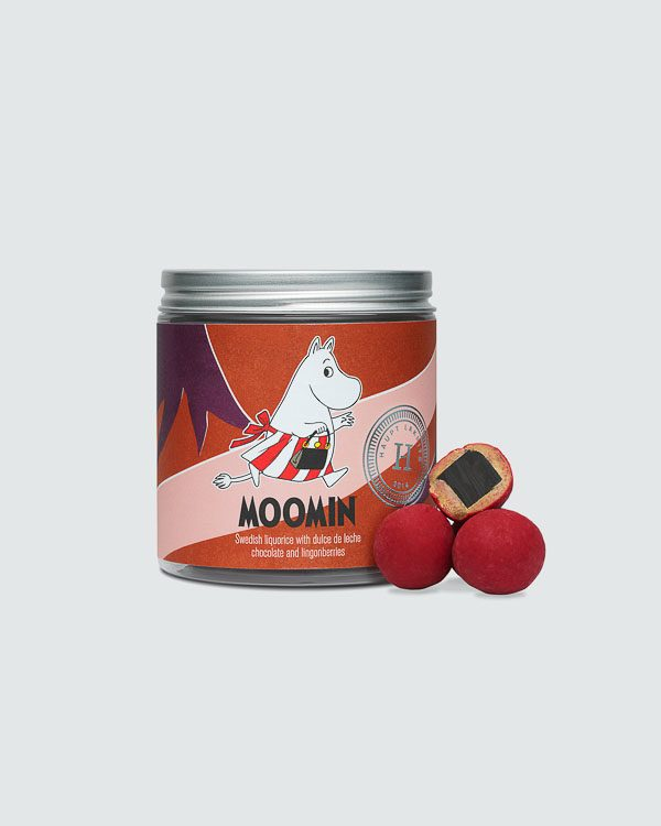 Moominmamma - Liquorice with dulce de leche-chocolate and lingonberries
